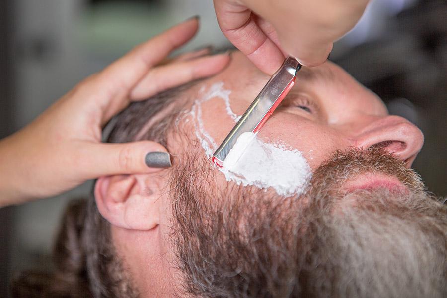 Herren: Vom Haarschnitt bis zum Bartstyling in Bad Abbach bei Regensburg